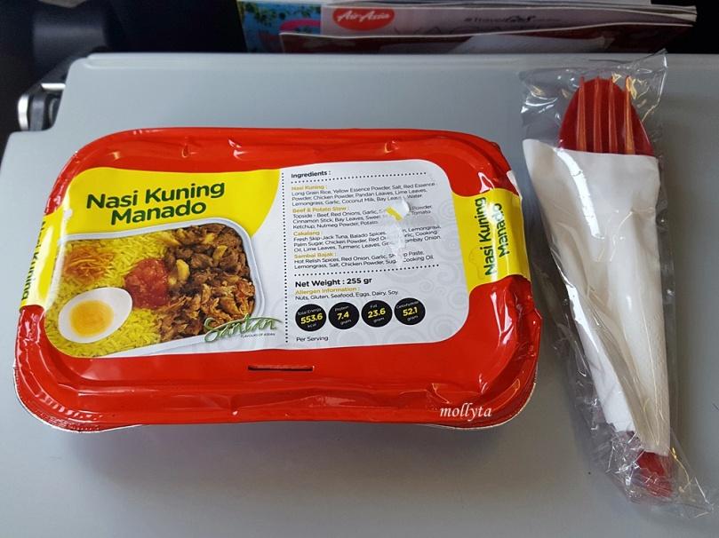 Menu Nasi Kuning Manado di penerbangan Air Asia