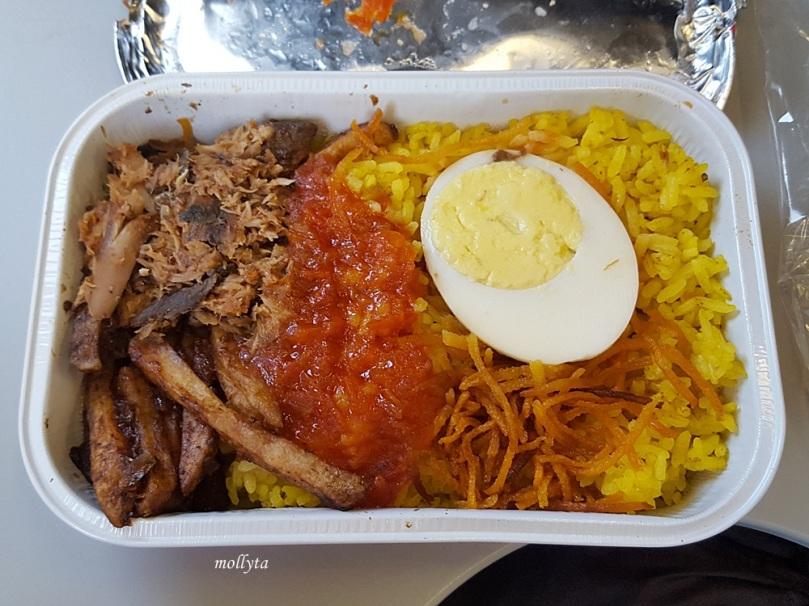 Nasi Kuning Manado di rute penerbangan Air Asia