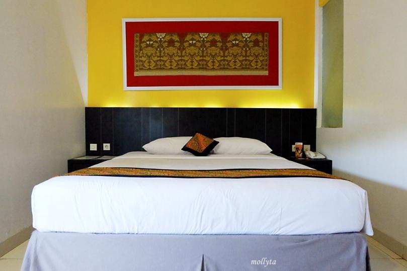 Suasana kamar di J Hotel Bandara Soekarno Hatta