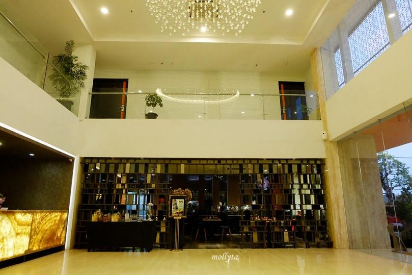 Area lobby J Hotel Soekarno Hatta