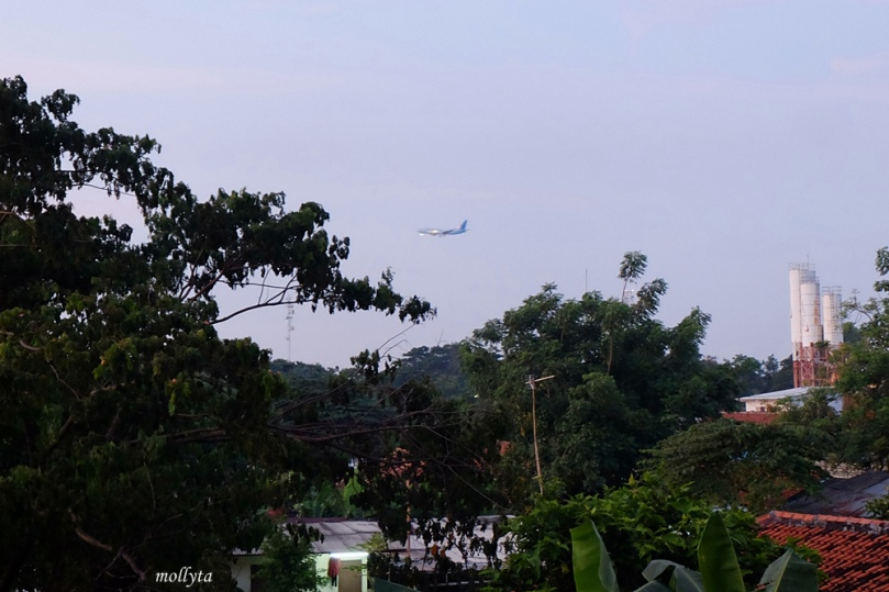 Area J Hotel Bandara Soekarno Hatta