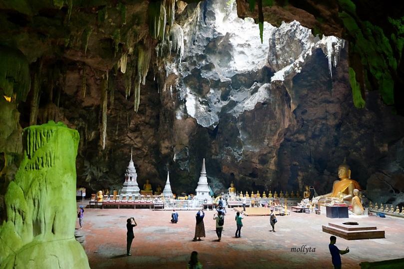 Gua Khao Luang di Phetchaburi