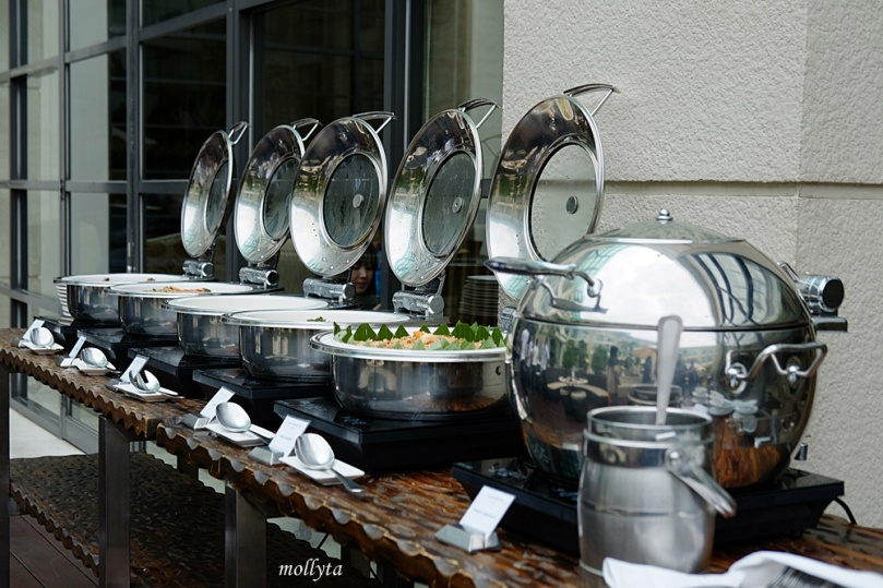 Hot dishes station Barefoot BBQ Buffet Menu Aryaduta Medan