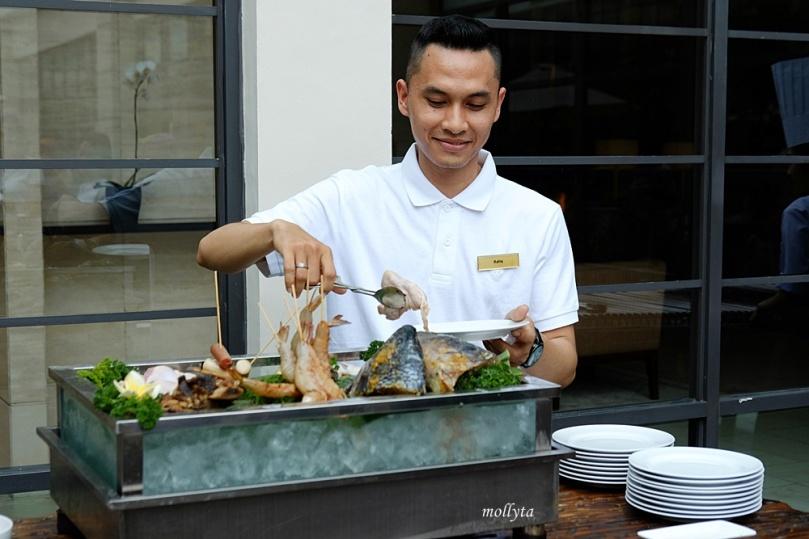 Barefoot BBQ Buffet Menu Aryaduta Medan