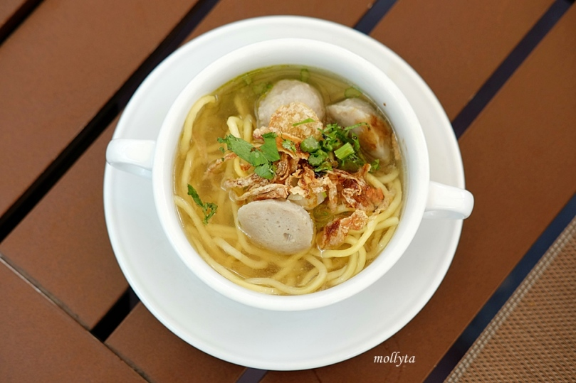 Mie bakso with condiment di Aryaduta Medan