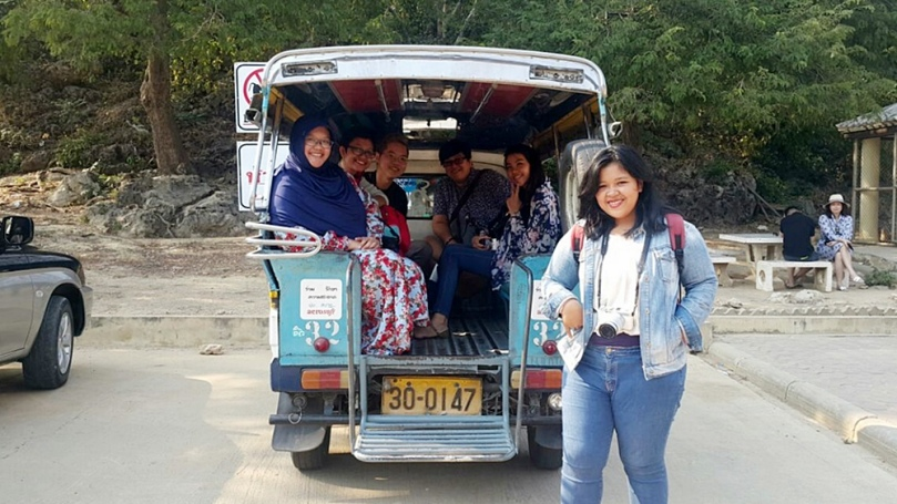 Naik tuk-tuk ke Khao Luang Cave Phetchaburi