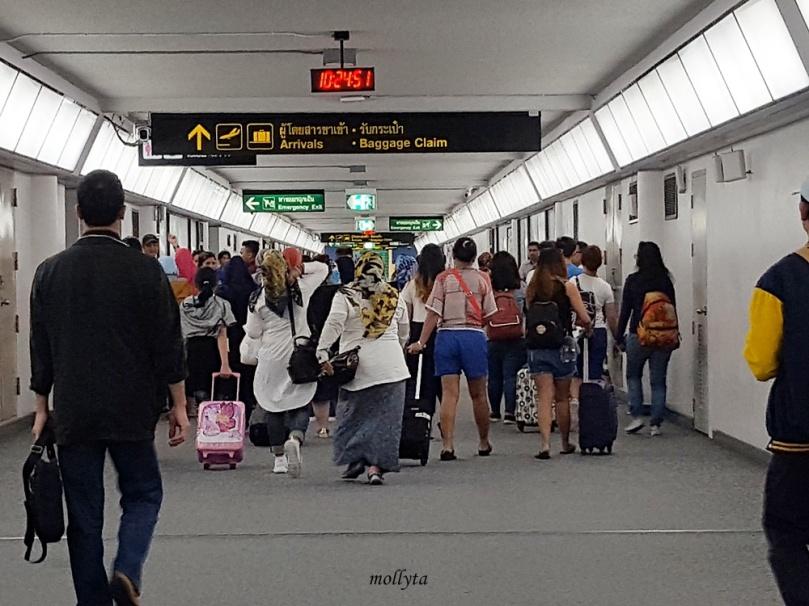 Kedatangan di bandara Don Mueang Bangkok Thailand