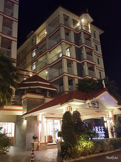 Suasana malam di D`Varee Diva Kiang Haad Beach Hotel Hua Hin