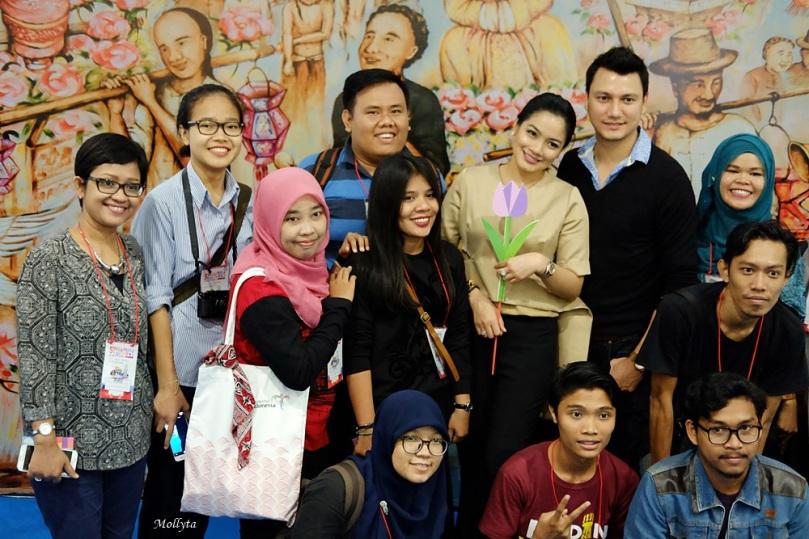 "Bersama Titi Kamar dan Christian Sugiono di acara Roadshow ""Singapura Seru Bareng"" Medan"