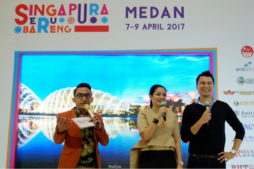 Artis Titi Kamal dan Christian Sugiono di Medan