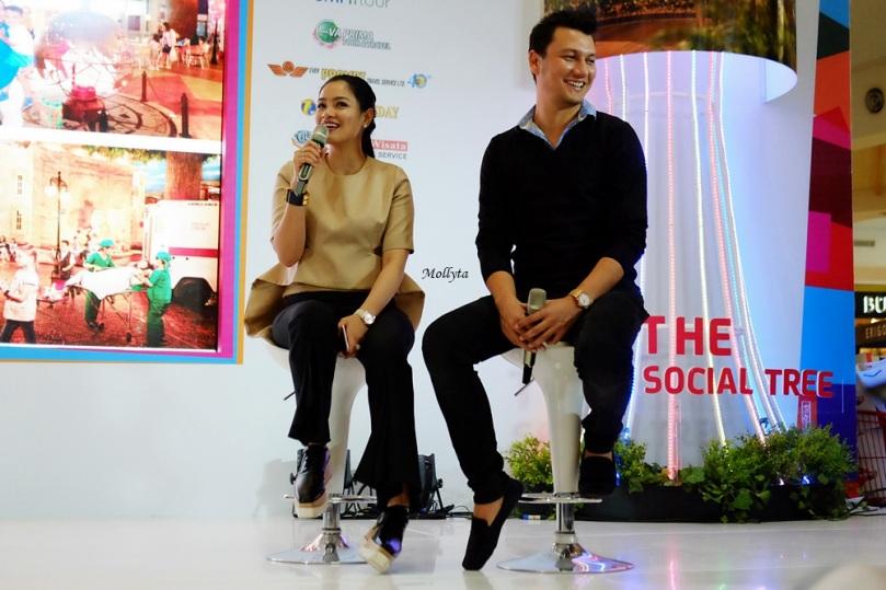 "Titi Kamal dan Christian Sugiono di Roadshow ""Singapura Seru Bareng"" Medan 2017"