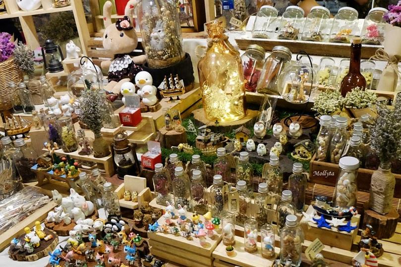barang seni di Cicada Market Hua Hin Thailand