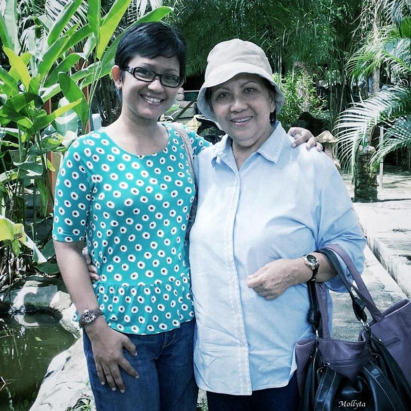 Foto berdua dengan mama