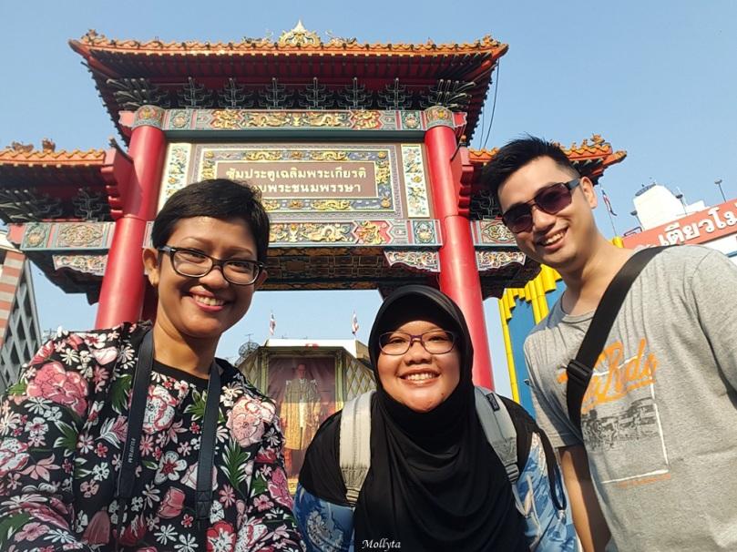 Bersama teman-teman di Bangkok