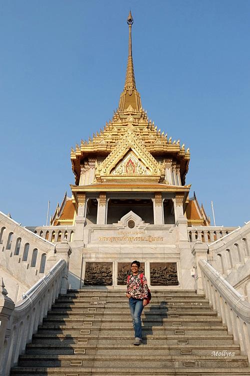 Wat Traimit yang disebut juga The Golden Buddha di Bangkok