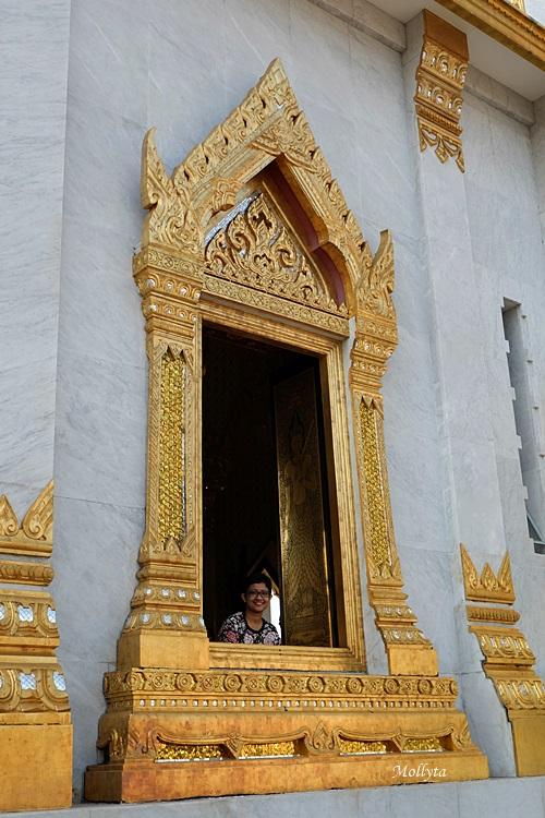 Tempat wisata terkenal Wat Traimit Wittayaram atau Golden Buddha di Bangkok
