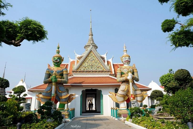 destinasi wisata Wat Arun di Bangkok