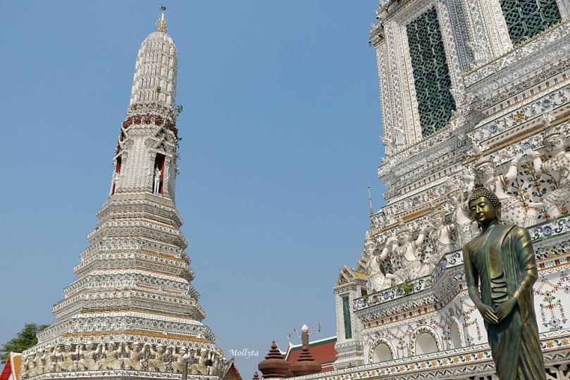 Keindahan Wat Arun di Bangkok