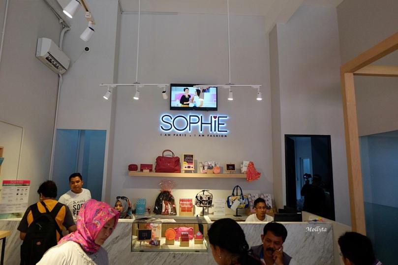 Sophie Paris hadir di Medan