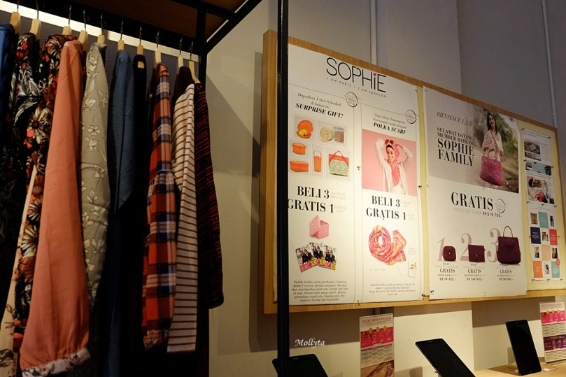 Produk fashion Sophie Paris