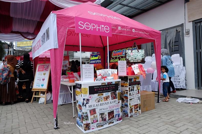 Bazaar potongan harga di grand opening Sophie Paris Medan