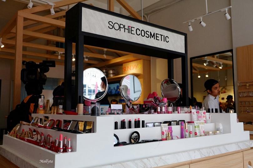 Koleksi kosmetik Sophie Paris Medan