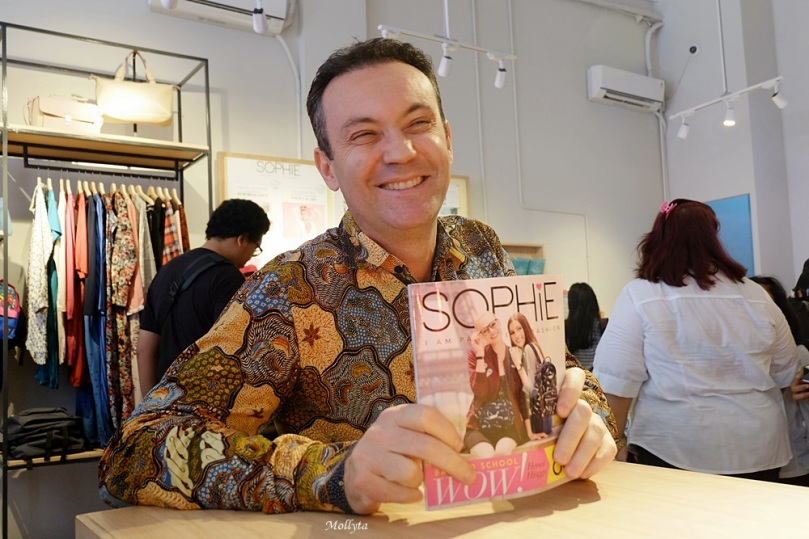Mr.Bruno Hasson sebagai CEO & Founder Sophie Paris