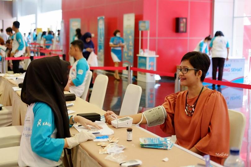 Cek Jantung Koroner di acara Indonesia Tangkal Kolesterol 2017