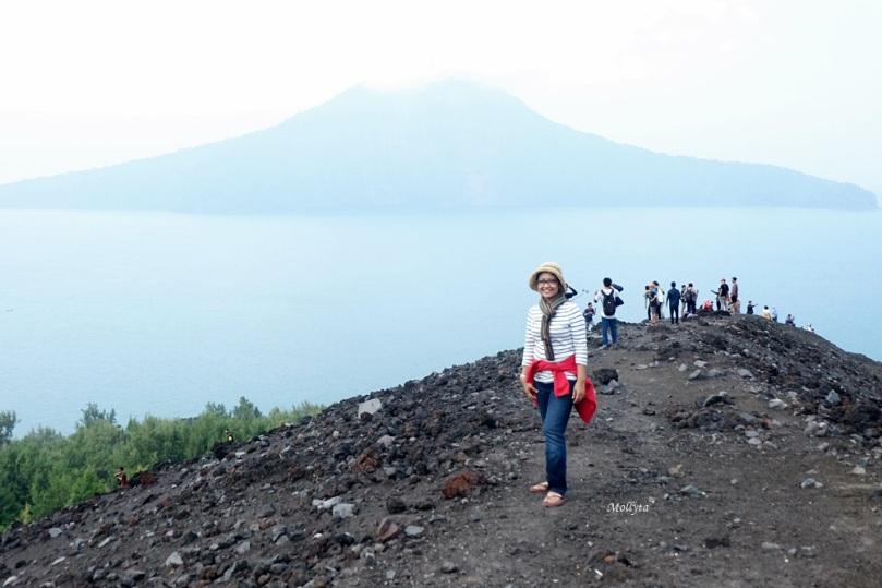 pemandangan dari Gunung Anak Krakatau