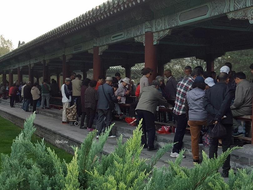 Bermain dam di Beijing