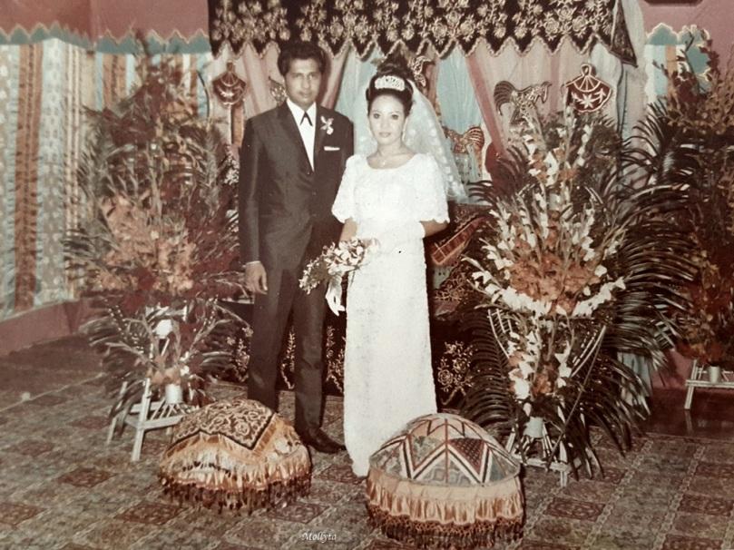 Foto pernikahan Papa dan Mama