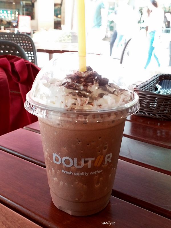Frozen Chocolate di Doutor Coffee Gurney Plaza