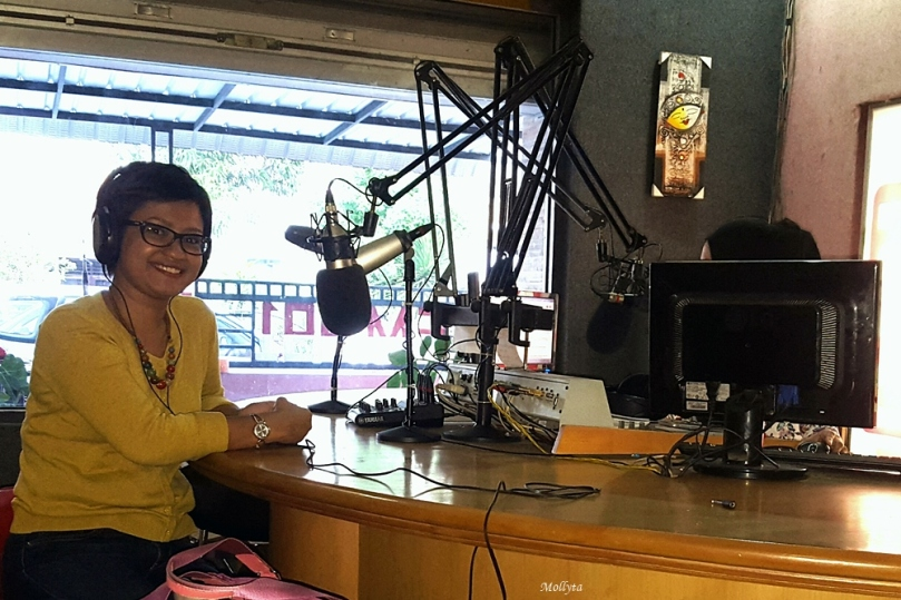 Menjadi narasumber untuk acara Meet Up Miranda di Radio Most FM Medan (Januari 2016)