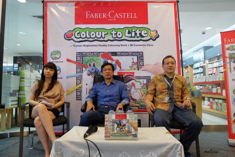 Ang Lilyana dan Yandramin Halim dari Faber-Castell International Indonesia