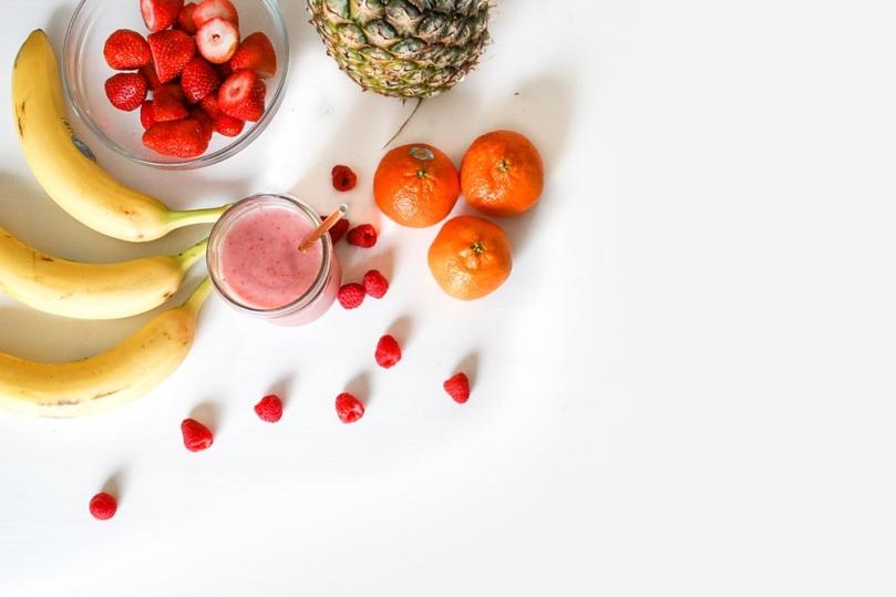Jaga kesehatan dengan makan buah dan vitamin C
