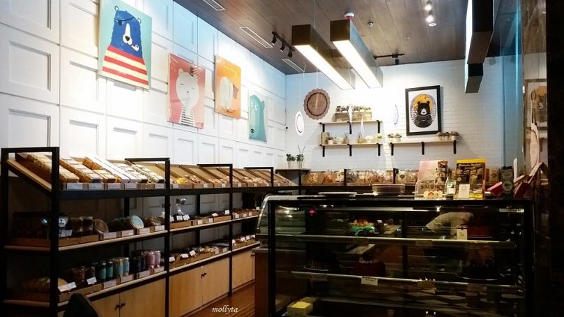 Aneka pastry di Roaster and Bear Yogyakarta