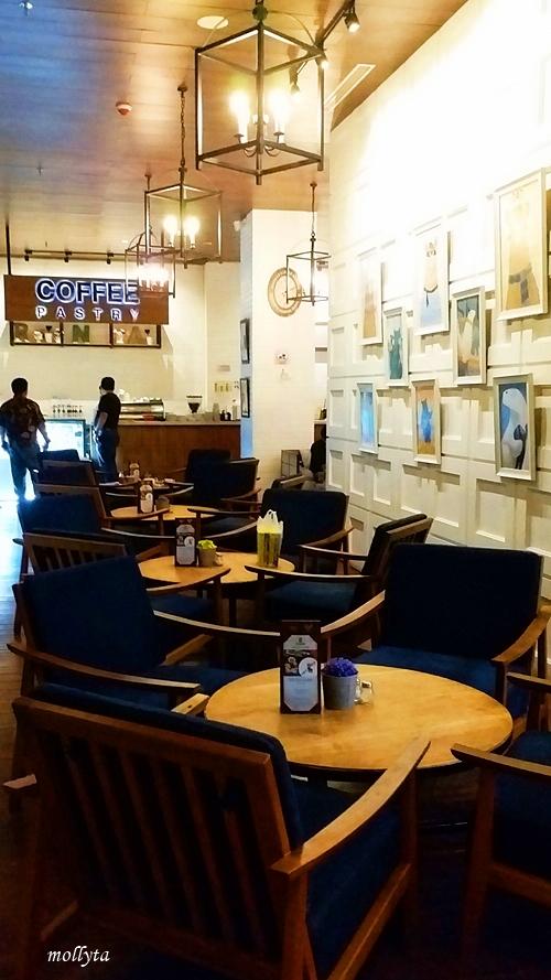 Coffeeshop modern Roaster and Bear Yogyakarta