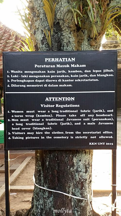 Tata tertib bagi peziarah makam raja Mataram Kotagede
