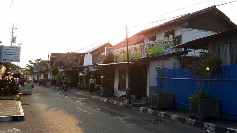 Suasana di jalan Kotagede