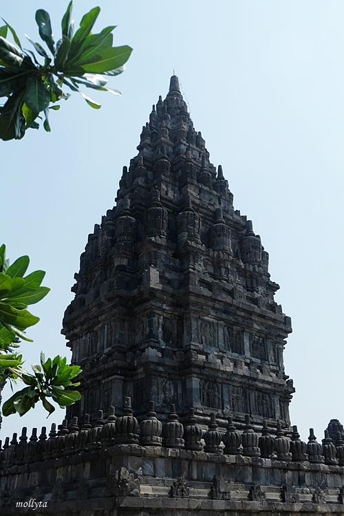Megahnya candi Prambanan di Yogyakarta