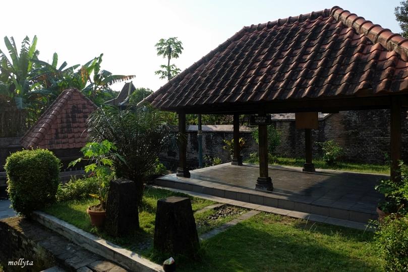 Menuju sendang seliran Kotagede Yogyakarta