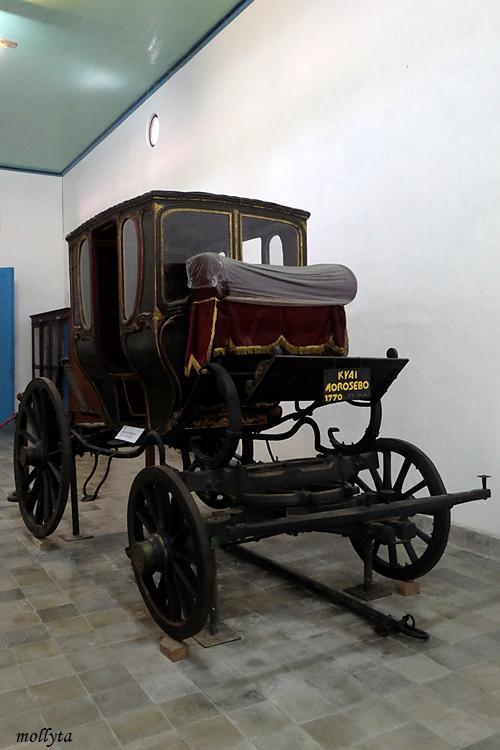 Kereta kencana di Museum Keraton Surakarta