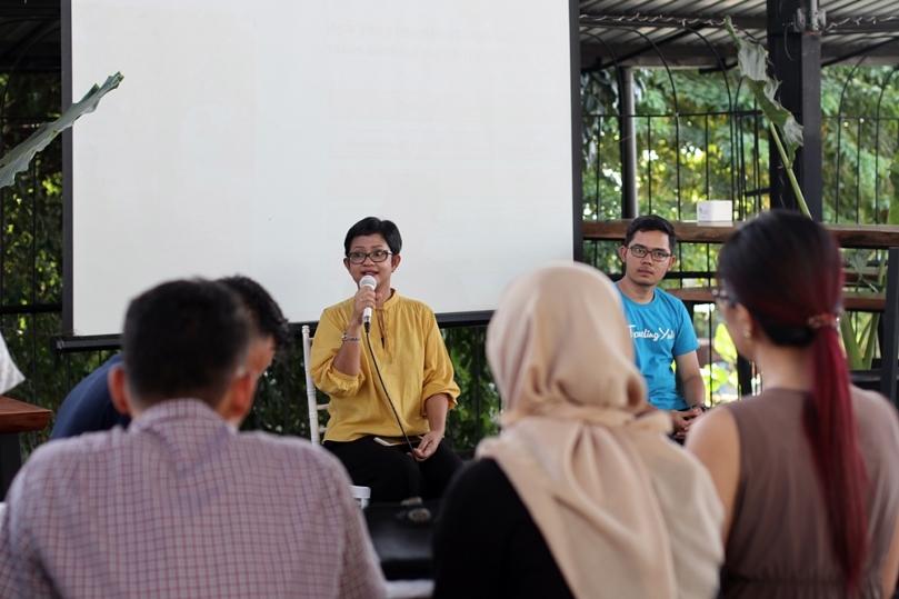 Mollyta Mochtar sebagai pembicara di acara travel Travelingyuk Com Medan
