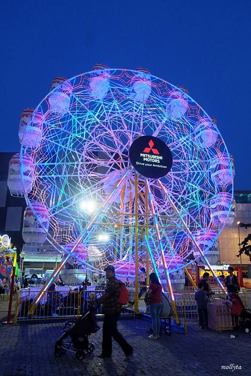 Ferris Wheel Mitsubishi XPANDER Plaza Medan Fair