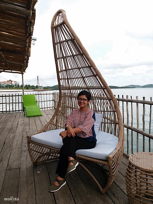 Kursi untuk berfoto di Kopak Jaya 007
