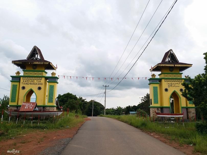 Gapura Kampung Tua Tiang Wangkang