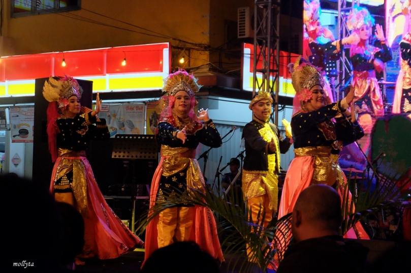 Kampung Bule Funtastic Colour Night3