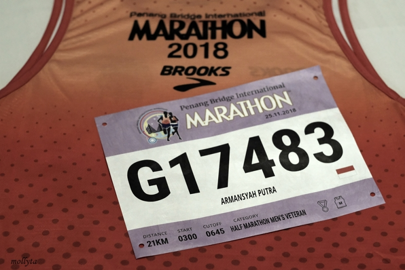Race pack pada Penang Bridge International Marathon 2018