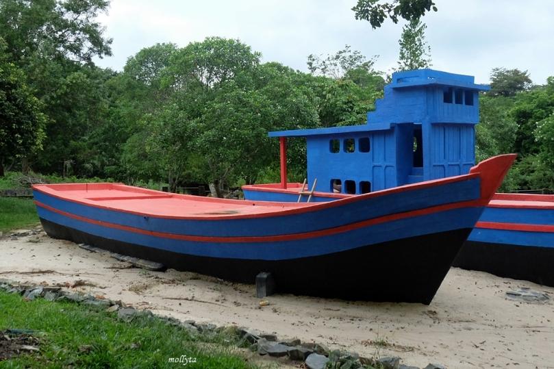 Perahu kayu pengungsi Vietnam