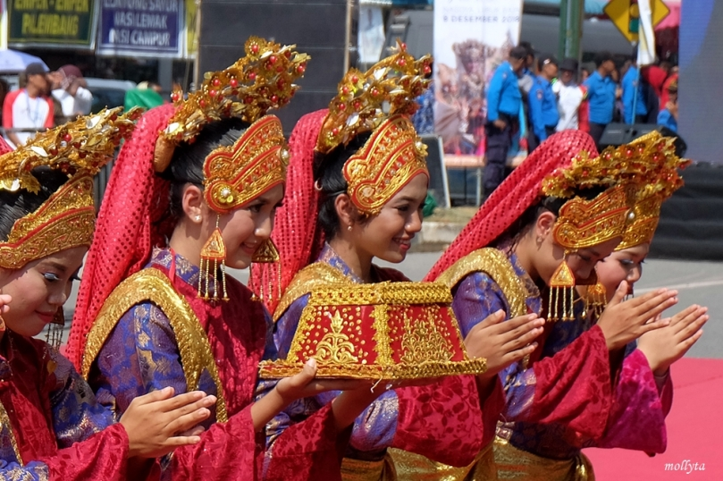 Tari Persembahan Batam International Culture Carnival 2018